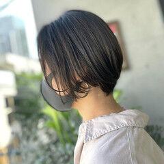 韓国ヘア 透明感カラー グレージュ ショート ヘアスタイルや髪型の写真・画像