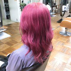 ハイトーン ガーリー ピンク ブリーチ ヘアスタイルや髪型の写真・画像