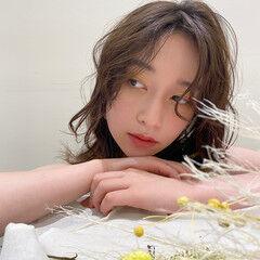 ナチュラルベージュ モテ髪 ヘアアレンジ ドライフラワー ヘアスタイルや髪型の写真・画像