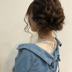 セミロング フェミニン アップスタイル サイドアップ ヘアスタイルや髪型の写真・画像