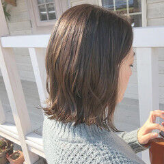 ヘアドネーション ブラウンベージュ ナチュラル 切りっぱなしボブ ヘアスタイルや髪型の写真・画像