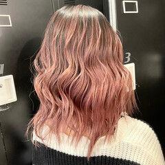 ストリート ピンク 外国人風カラー ミディアムレイヤー ヘアスタイルや髪型の写真・画像