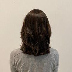 レイヤーカット エレガント 大人可愛い ミディアムレイヤー ヘアスタイルや髪型の写真・画像
