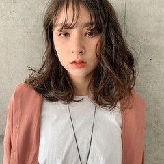 ミディアム 透明感カラー アンニュイほつれヘア シースルーバング ヘアスタイルや髪型の写真・画像