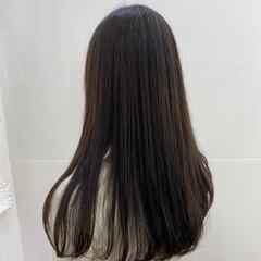 ロング ナチュラル アッシュグレージュ ブルーアッシュ ヘアスタイルや髪型の写真・画像