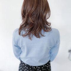 アッシュグレー 大人可愛い アッシュグレージュ セミロング ヘアスタイルや髪型の写真・画像