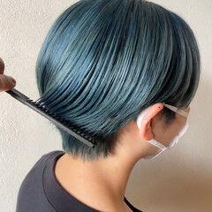 ダブルカラー モード グリーン ショート ヘアスタイルや髪型の写真・画像