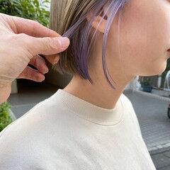 ホワイトベージュ 透明感カラー シアーベージュ イヤリングカラー ヘアスタイルや髪型の写真・画像