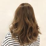 イルミナカラー ロング ナチュラル 巻き髪