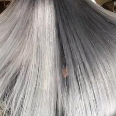 ホワイトシルバー プラチナブロンド シルバーアッシュ ストリート ヘアスタイルや髪型の写真・画像