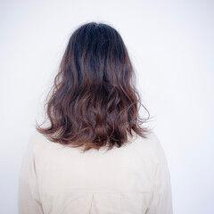 ナチュラルベージュ 簡単ヘアアレンジ ボブ 外国人風フェミニン ヘアスタイルや髪型の写真・画像