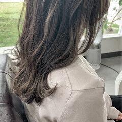 大人かわいい ナチュラル セミロング 暖色系グレージュ ヘアスタイルや髪型の写真・画像