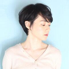 クール 白髪染め ショートヘア ナチュラル ヘアスタイルや髪型の写真・画像