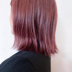 ミディアム ナチュラル ピンク ベリーピンク ヘアスタイルや髪型の写真・画像