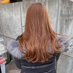 オレンジブラウン ロング 暖色 ナチュラル ヘアスタイルや髪型の写真・画像