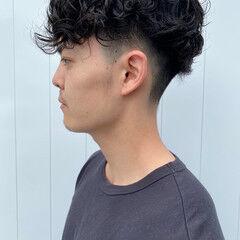 メンズパーマ 刈り上げ ショート ストリート ヘアスタイルや髪型の写真・画像