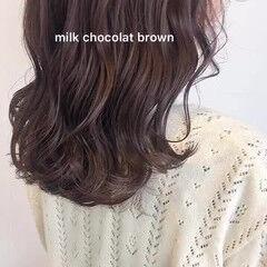 ガーリー 透明感カラー シアーベージュ ミディアム ヘアスタイルや髪型の写真・画像