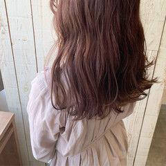 ツヤ髪 ピンクベージュ 透明感カラー ナチュラル ヘアスタイルや髪型の写真・画像