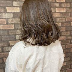 透明感 イルミナカラー アッシュベージュ ナチュラル ヘアスタイルや髪型の写真・画像