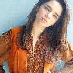ナチュラル ロング ウルフカット 外国人風フェミニン ヘアスタイルや髪型の写真・画像