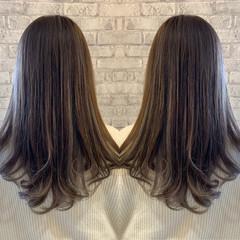 グレーアッシュ アッシュグレージュ セミロング ナチュラル ヘアスタイルや髪型の写真・画像