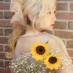 ロング ハイトーン ハイトーンカラー ふわふわヘアアレンジ ヘアスタイルや髪型の写真・画像