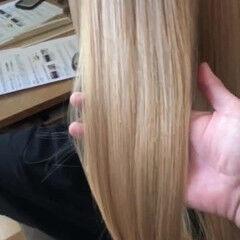 ストレート 金髪 ブロンド ナチュラル ヘアスタイルや髪型の写真・画像