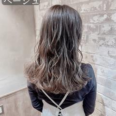 グラデーション グラデーションカラー ナチュラル アッシュグレージュ ヘアスタイルや髪型の写真・画像