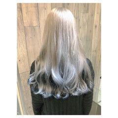 グレージュ アッシュ 透明感カラー セミロング ヘアスタイルや髪型の写真・画像