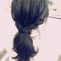 ローポニーテール ヘアアレンジ ストリート ロープ編み ヘアスタイルや髪型の写真・画像