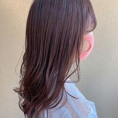 レイヤースタイル ピンクラベンダー ピンクベージュ セミロング ヘアスタイルや髪型の写真・画像