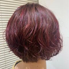 ショート ショートヘア ゆるふわパーマ 大人グラボブ ヘアスタイルや髪型の写真・画像
