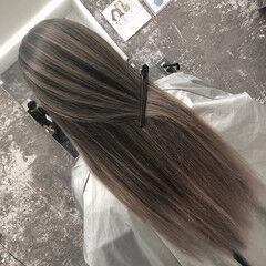 アッシュベージュ バレイヤージュ ロング 外国人風カラー ヘアスタイルや髪型の写真・画像