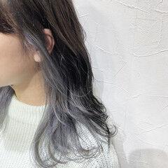 ホワイトシルバー ナチュラル シルバーアッシュ シルバーグレージュ ヘアスタイルや髪型の写真・画像