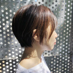 ショート 黒髪 ひし形シルエット ナチュラル