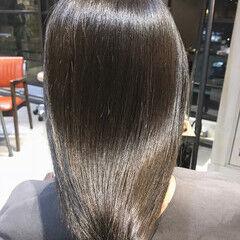 セミロング グレージュ ナチュラル アッシュグレージュ ヘアスタイルや髪型の写真・画像