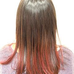 ナチュラル セミロング グラデーションカラー レッドカラー ヘアスタイルや髪型の写真・画像