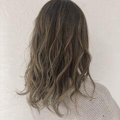 インナーカラー エレガント ロング バレイヤージュ ヘアスタイルや髪型の写真・画像