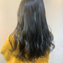 透明感カラー オリーブグレージュ ロング ナチュラル ヘアスタイルや髪型の写真・画像