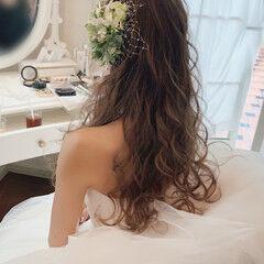 白ドレスヘア ダウンスタイル ロング フェミニン ヘアスタイルや髪型の写真・画像