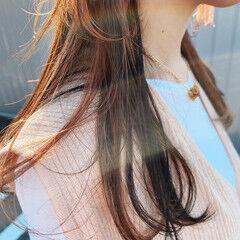 オレンジ オレンジベージュ ロング インナーカラー ヘアスタイルや髪型の写真・画像