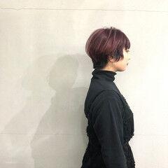 ショートヘア ショート チェリーピンク ナチュラル ヘアスタイルや髪型の写真・画像
