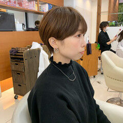 マッシュショート ショート ナチュラル ショートマッシュ ヘアスタイルや髪型の写真・画像