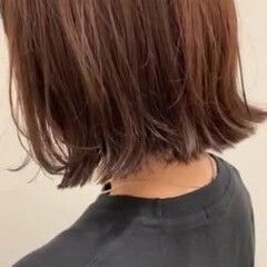 外ハネボブ ナチュラル 切りっぱなしボブ 暖色 ヘアスタイルや髪型の写真・画像