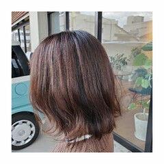 ローライト ハイライト ミディアム 3Dカラー ヘアスタイルや髪型の写真・画像