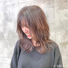 ミディアム 透明感カラー グラデーションカラー オレンジベージュ ヘアスタイルや髪型の写真・画像