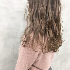 アンニュイほつれヘア ラベンダーグレージュ イルミナカラー ナチュラル ヘアスタイルや髪型の写真・画像