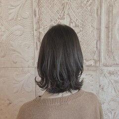 ミディアム ガーリー オリーブアッシュ 小顔ヘア ヘアスタイルや髪型の写真・画像