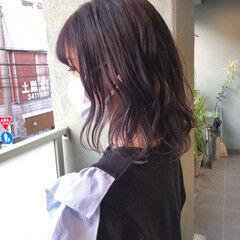 ブリーチカラー パープルアッシュ パープルカラー ミディアム ヘアスタイルや髪型の写真・画像