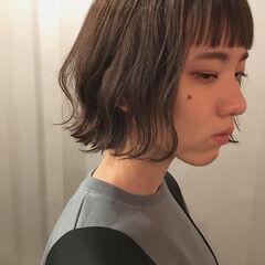 暗髪 グレージュ スモーキーカラー 外国人風カラー ヘアスタイルや髪型の写真・画像